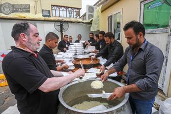توزیع ۳۰هزار بسته غذایی میان زائران در سالروز رحلت پیامبر اکرم(ص)+تصاویر