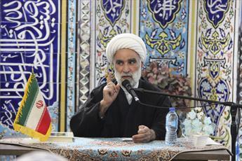 نهاد نماز جمعه شیرازه الفت بین مردم و نظام است