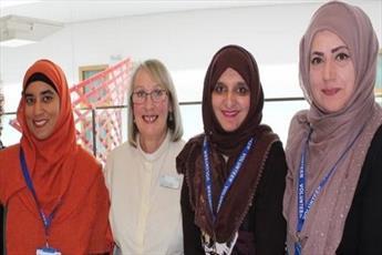 بانوان مسلمان در بریتانیا، گروه داوطلبان «عیادت از بیماران» تشکیل دادند