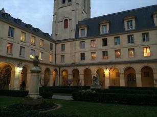 آموزش زبان عربی در مدارس فرانسه تیتر اول روزنامه ها شد