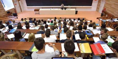 فرانسه هزینه تحصیلی مهاجران و مسلمانان را افزایش می دهد