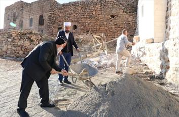 کمک یک کشیش به تعمیر مسجدی در ترکیه مورد تحسین قرار گرفت
