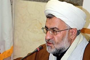مشکل جهان اسلام دوری از مکتب اسلام است