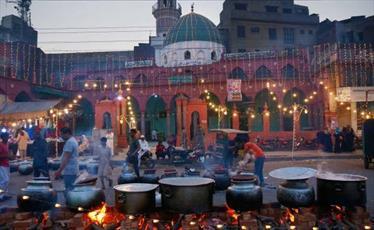 چراغانی شهرهای مختلف پاکستان در جشن میلاد پیامبر (ص)