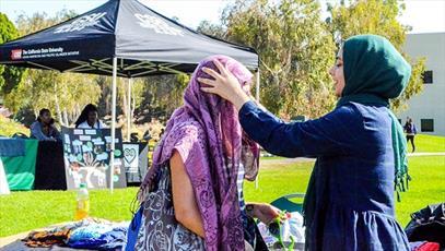دانشجویان انجمن اسلامی کالیفرنیا روز «ملاقات با یک مسلمان» برگزار کردند
