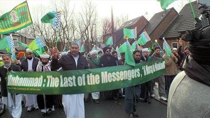 جشن میلاد نبی (ص) با حضور گسترده مسلمانان در روچدیل انگلستان  برگزار شد