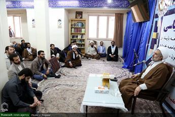 تصاویر/ سلسله نشستهای سیاسی مدرسه علمیه صدوقی فاز ۲ قم