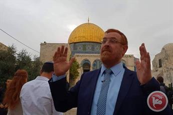 عضو کنست اسرائیل با همراهی ده ها صهیونیست به مسجدالاقصی یورش بردند