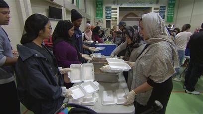 مسجد نورث یورک رکورد ۱۵ هزار وعده غذا به نیازمندان را شکست