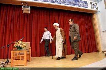 تصاویر/ دیدار جمعی از طلاب غیرایرانی با آیت الله مصباح یزدی