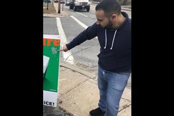 پوسترهای نژادپرستانه در منطقه شهری ایلینوی مسلمانان را نگران کرد