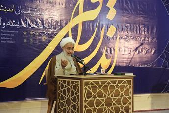 روحانیون اندیشه های امام(ره) و رهبری را تبیین کنند