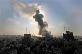 غزة تبحث عن الحياة بين ركام الموت