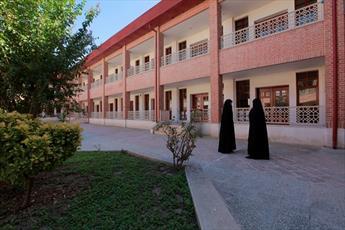 تحصیل ۲ هزار بانوی طلبه  در مدرسهای  به قدمت عمر انقلاب