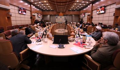 نشست  جمعی از اندیشمندان ایرانی و عرب  در اندیشکده جامعه المصطفی