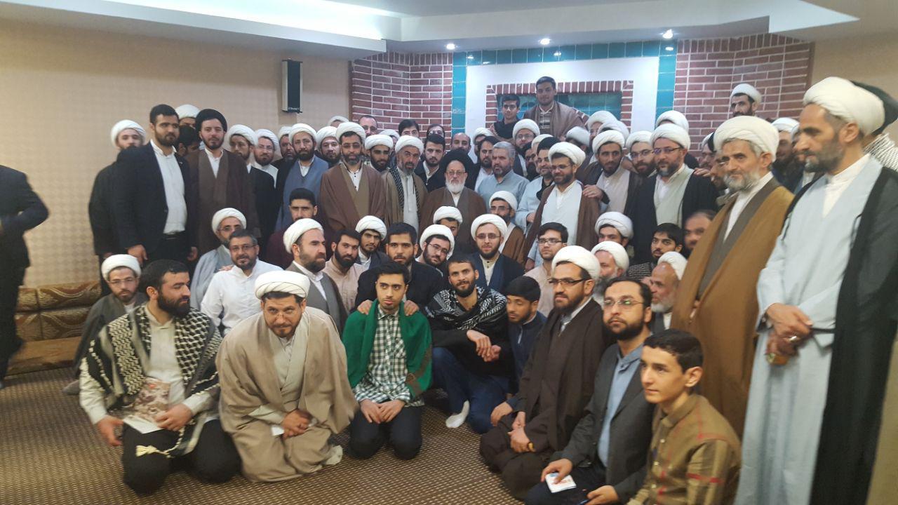 دیدار گروهی از طلاب با آیت الله سید مجتبی حسینی
